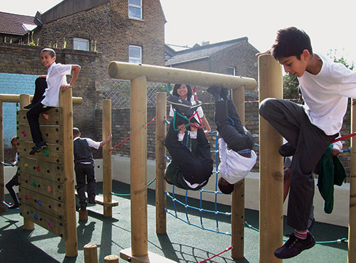 kids-playing-on-climbing-frame